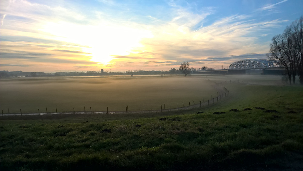 IJsseloord, Arnhem. Uitzicht op de Westervoortsebrug.