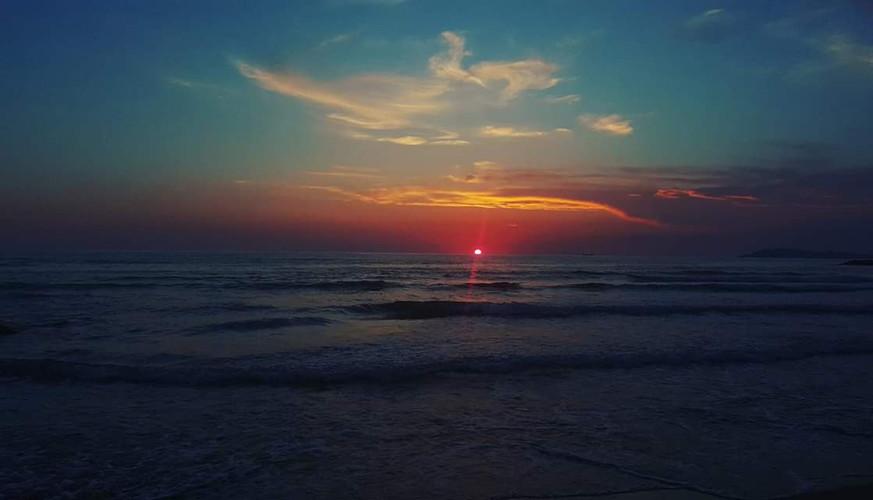 Sunset, Mali i Robit