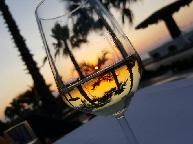 Sunset & Wine, Mali i Robit