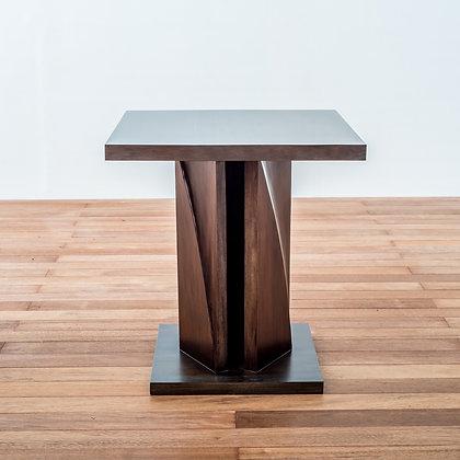 Podio Side Table