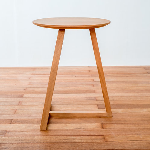 Leaning T Side Table