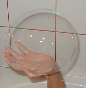 2004-08-28_Soap_bubble.jpg