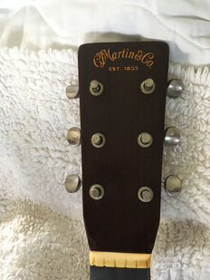 Head Stock with the original tuning pegs