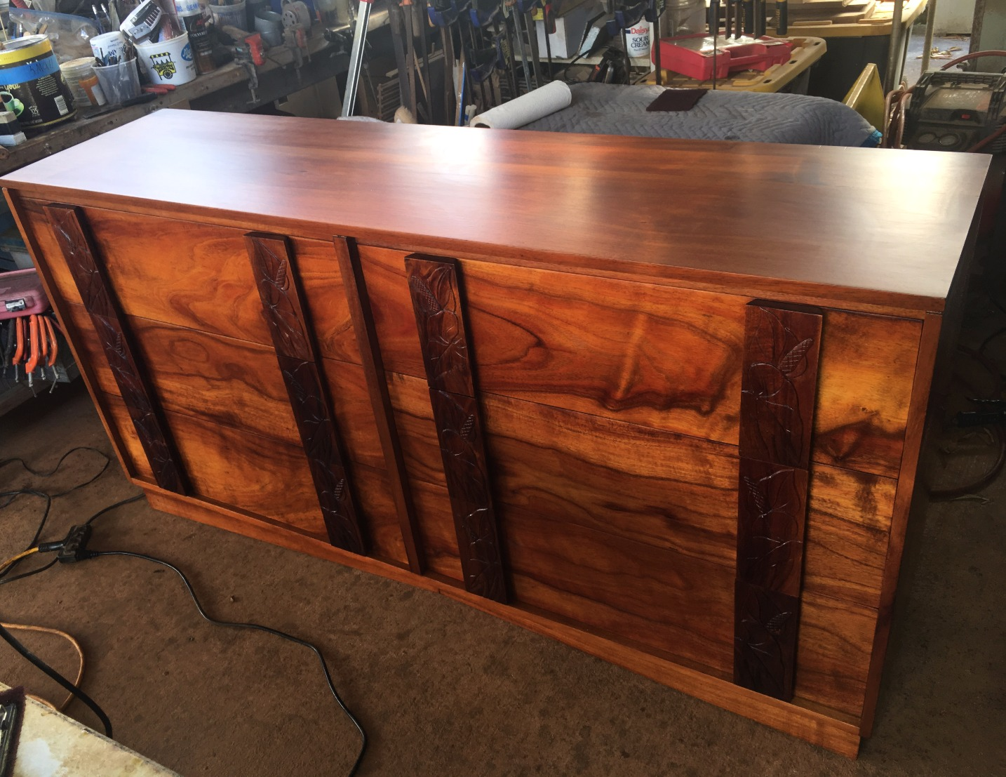 1940's Hawaiian Koa Ribbon 6 Drawer