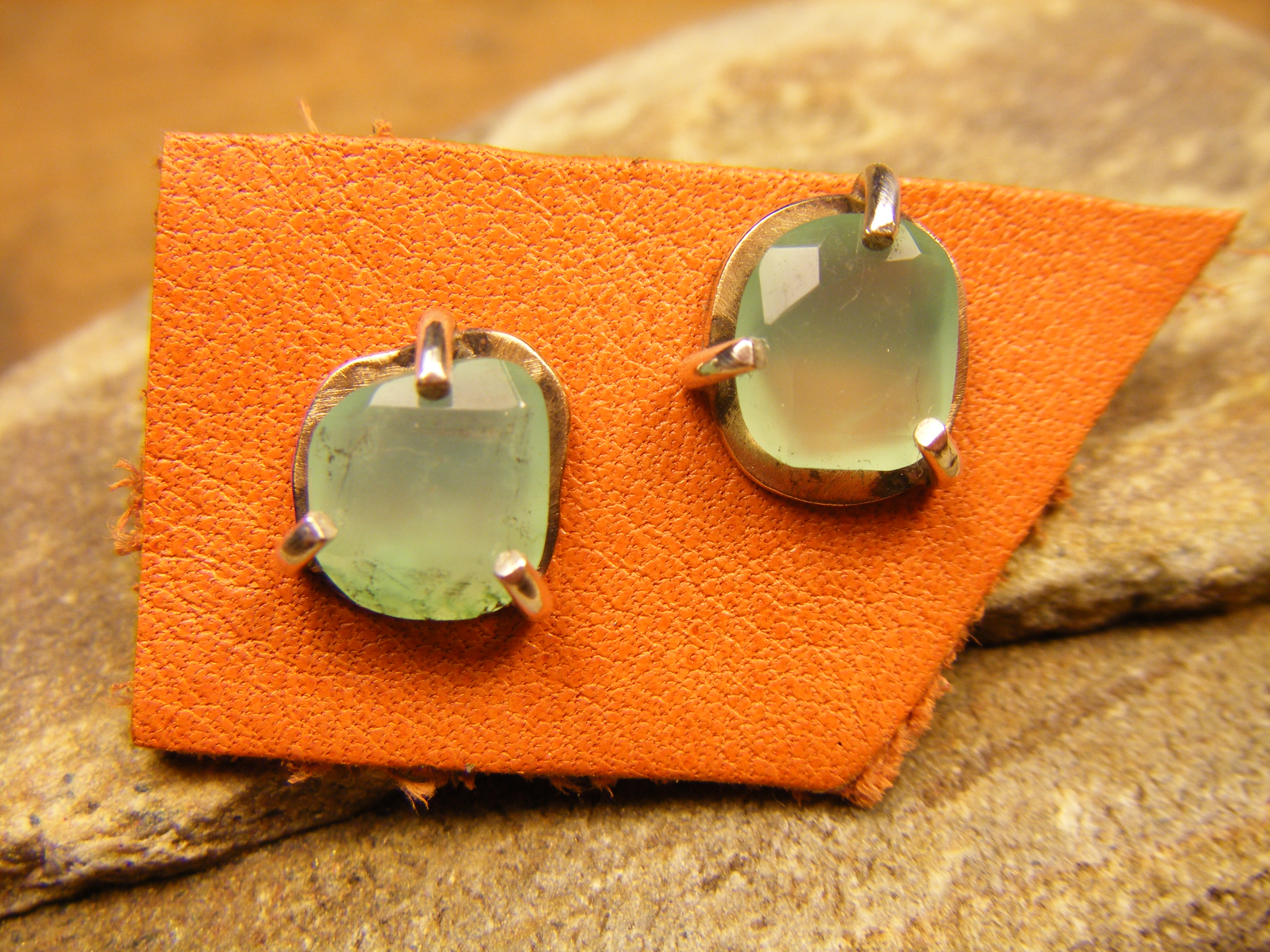 Faceted Chrysoprase Posts