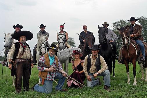 Western lovasok, vadnyugati jelmezesek