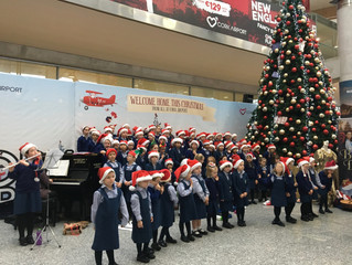 Singing at the airport - 19 December 2017