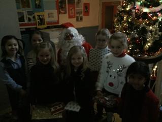 Santa Claus visits us - 21 Dec '16