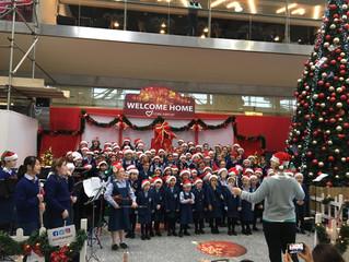 Christmas carols and songs at Cork Airport - 18 Dec 2018