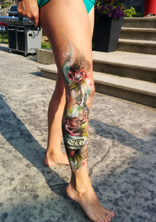 tattoo fleur molet.jpg