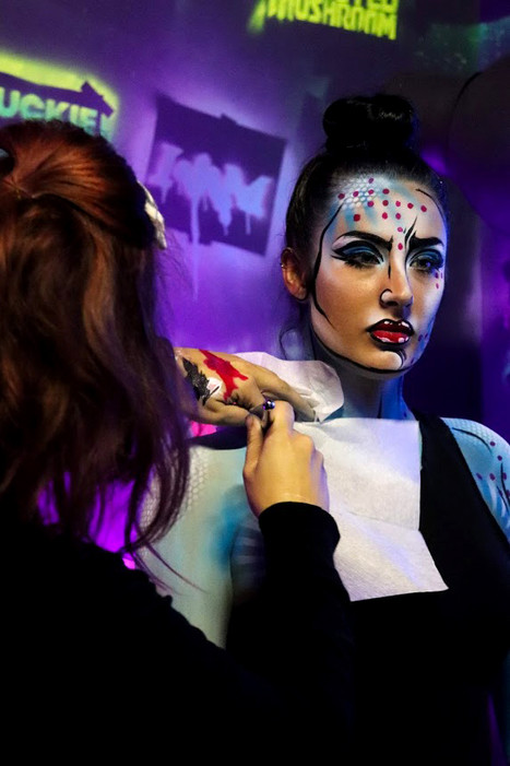 pop art fille body et face.jpg