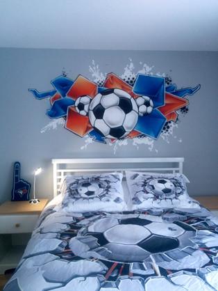 murale soccer graffitis.jpg