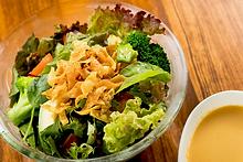 RAKUの10種野菜サラダ