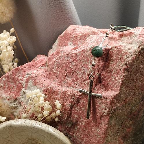 Pendentif croix émeraude