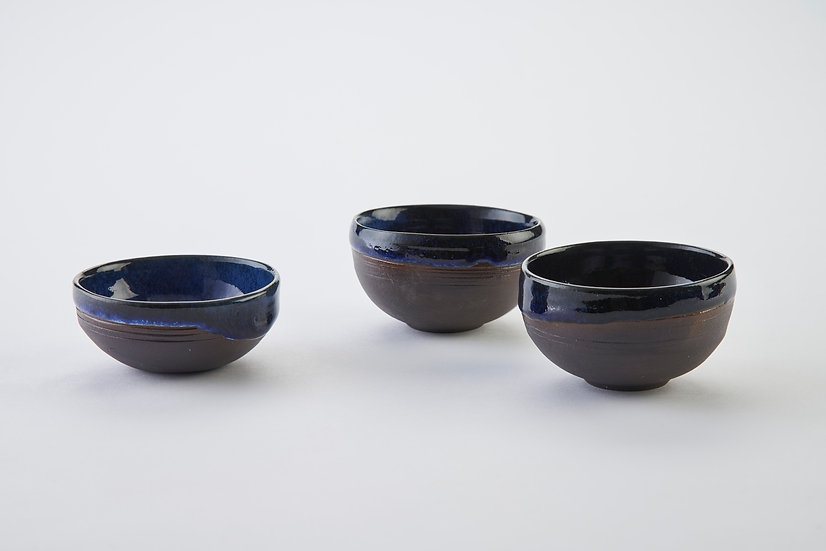Onyx and cobalt blue chilli flake bowls | By Kirsty Adams