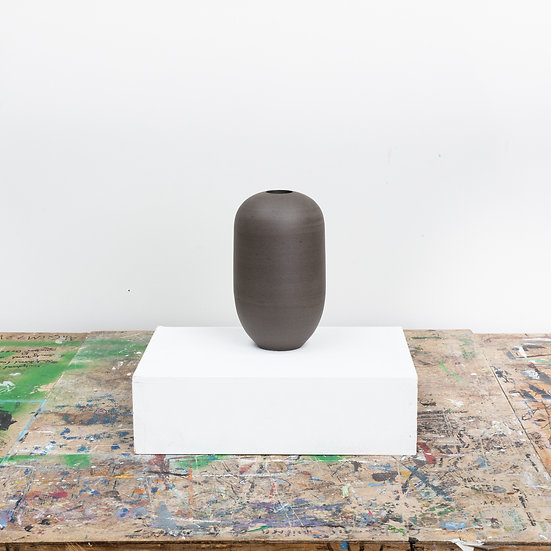 Rounded Vase - Anthracite | By Luke Eastop