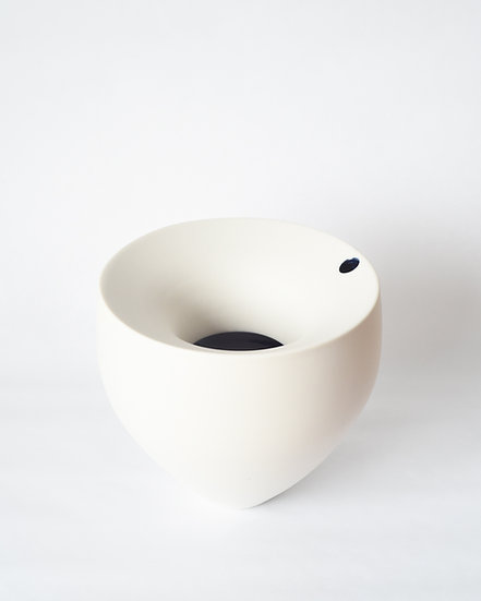 Orbit Vase | By Ben Sutton