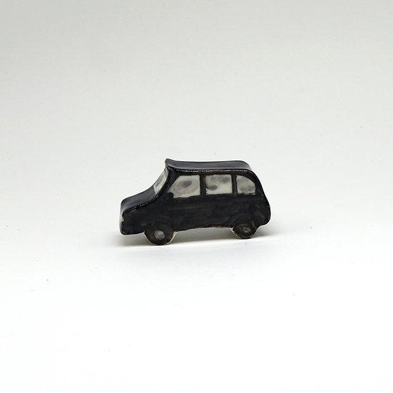 Taxi | By Helen Beard