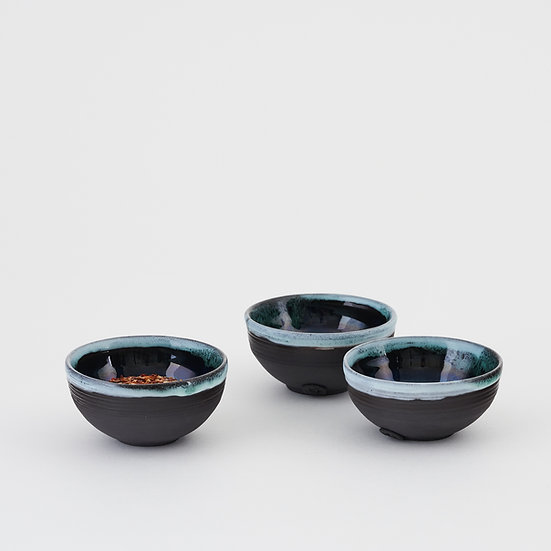 Onyx and copper green chili flake bowls | By Kirsty Adams