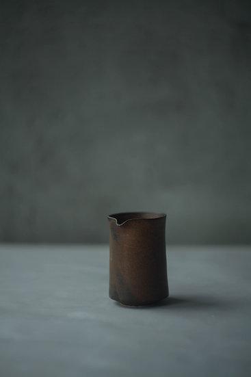 Pourer, Rust Brown | By Karl Sebastian