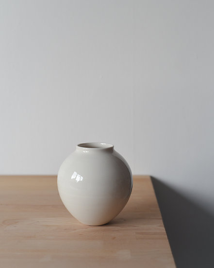 Small Moon Jar | By Ben Sutton