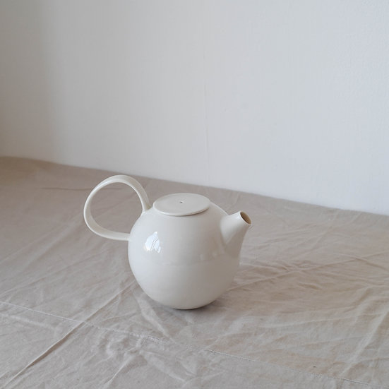 Teapot | By Ben Sutton