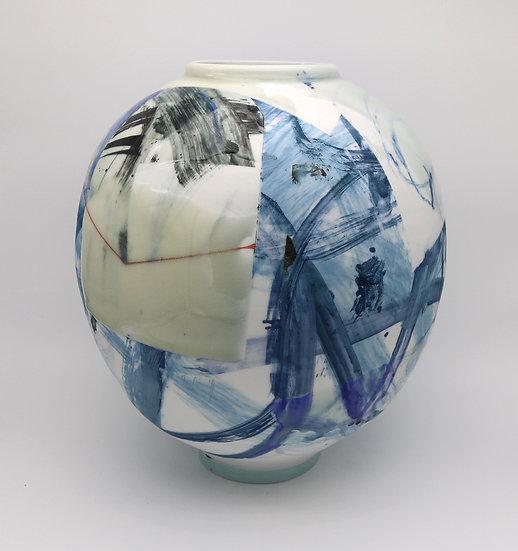 Medium Round Pot | By Adam Frew