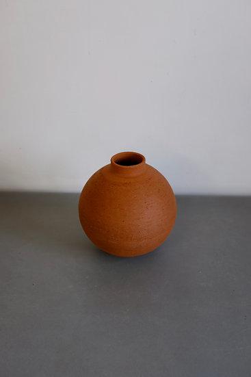 Wild Moonjar no. 8 - London clay, Kent, 2020 | By Nina Salsotto Cass