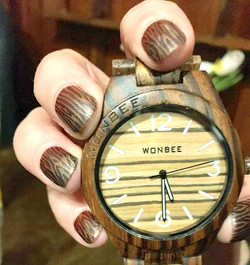 Hand painted wood effect nail art