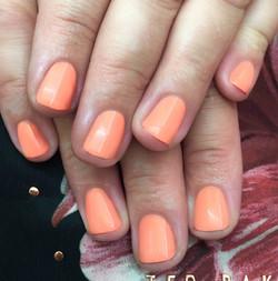 Coral toned Gel Polish