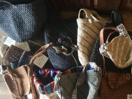 母の日に思う、カブヤの編み手のお母さんたち