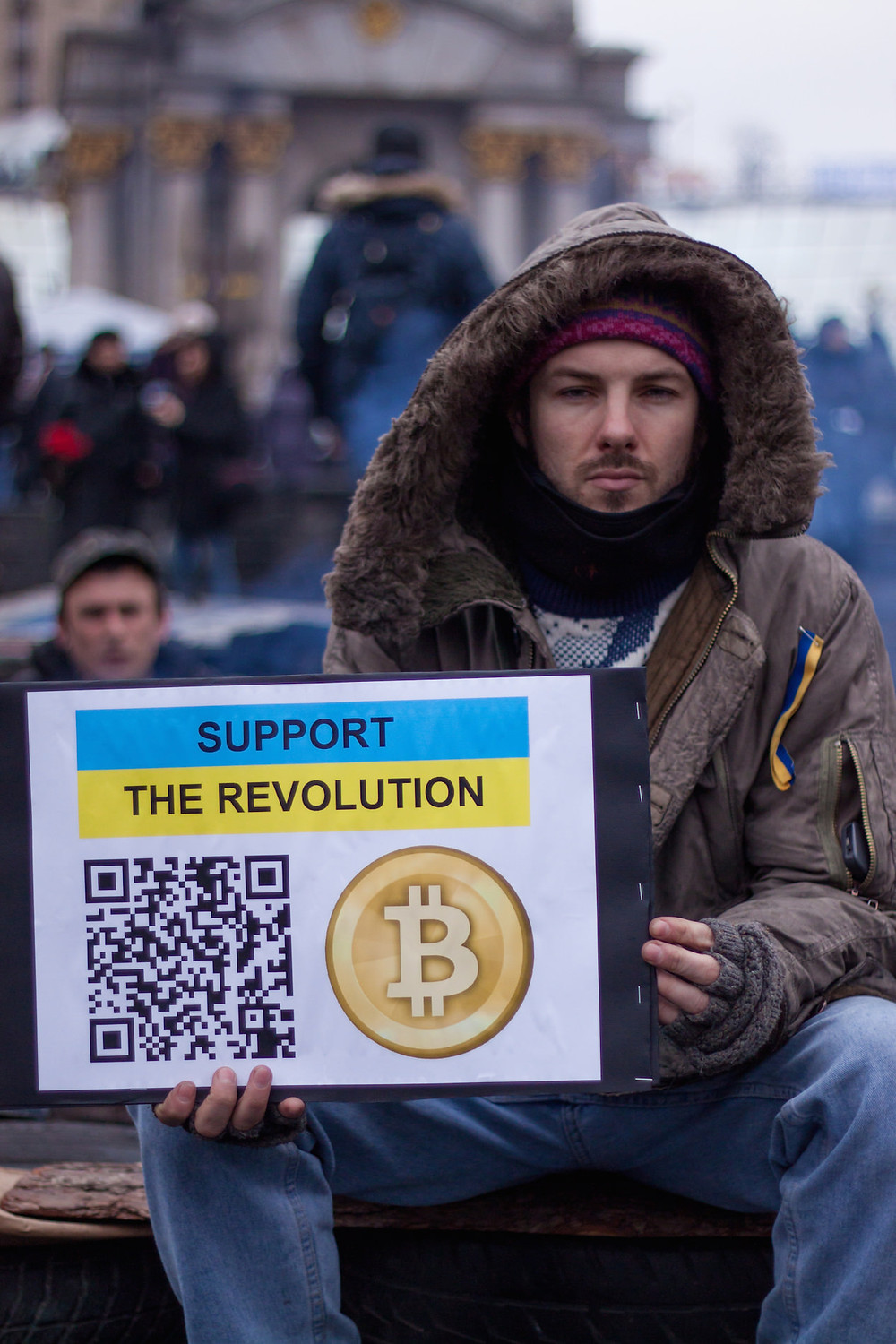 Start2Bitcoin - What's Bitcoin - protestors Ukraine