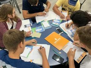 Jovens recebem aulas gratuitas de empreendedorismo no RJ