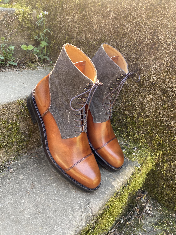 Museum light brown+grey suede captoe boots 2
