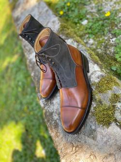 Museum light brown+grey suede captoe boots 8