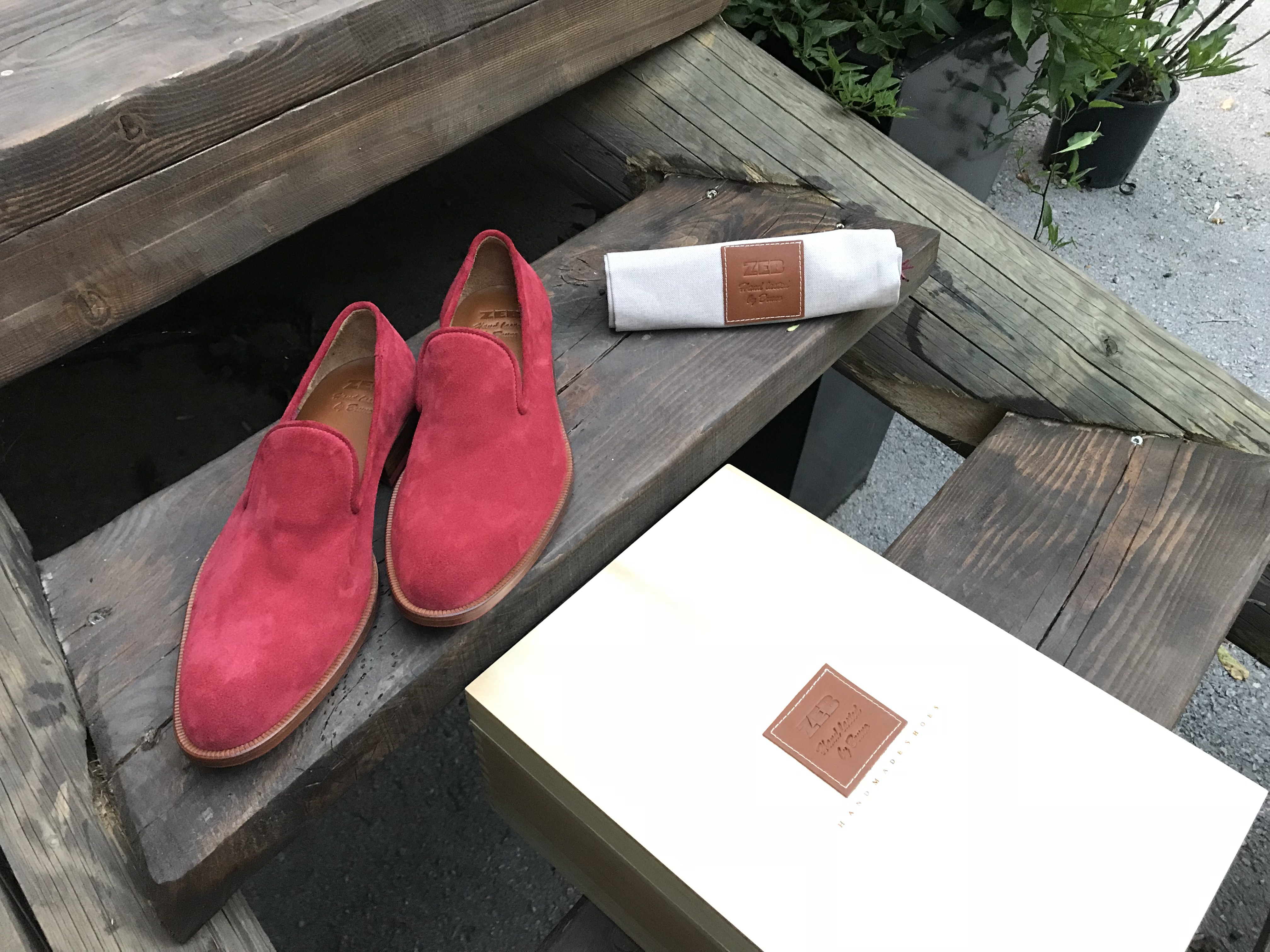 Leather-Shoes-Slippers-Suede-Red-Gal1
