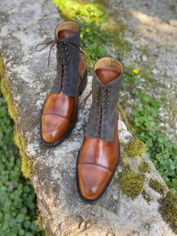 Museum light brown+grey suede captoe boots 9