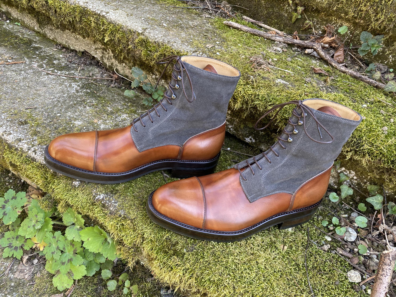 Museum light brown+grey suede captoe boots 6