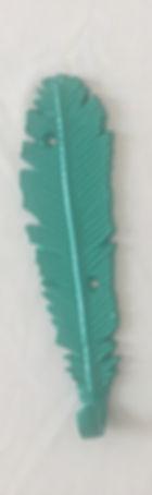 Металлические и деревянные крючки для детской комнаты