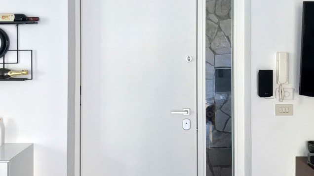 Porta_cmV_fiancoluce_3.jpg