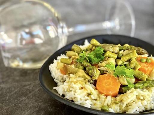 Curry di verdure ayurvedico con yogurt