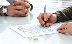 assinando-divorcio-20082019.jpg
