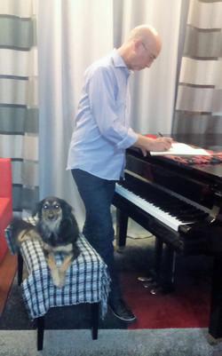 Marco Padilha compondo