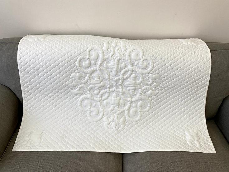 Стеганное детское одеяло-крыжма-плед