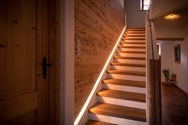 Treppe Eiche, Beleuchtung, Altholz, geschmiedet