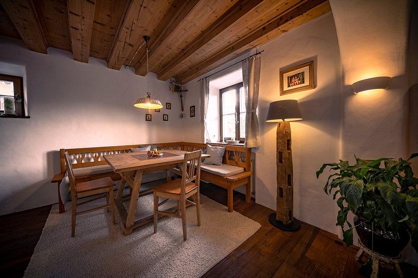 Essecke, Sitzbank, Holzbalken
