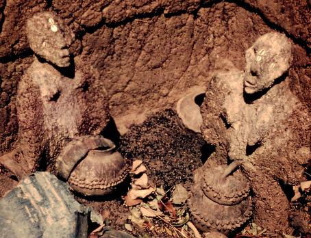 24.    Die Vorfahren. Foto. 10x15cm