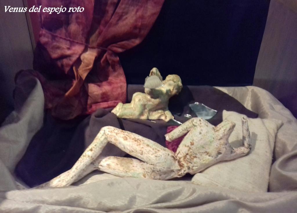 11. Venus del espejo roto