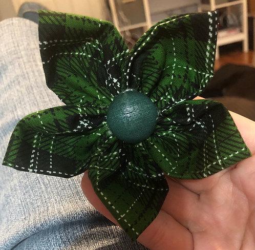 "4"" flower green plaid"