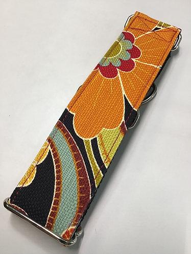 Floral design collar